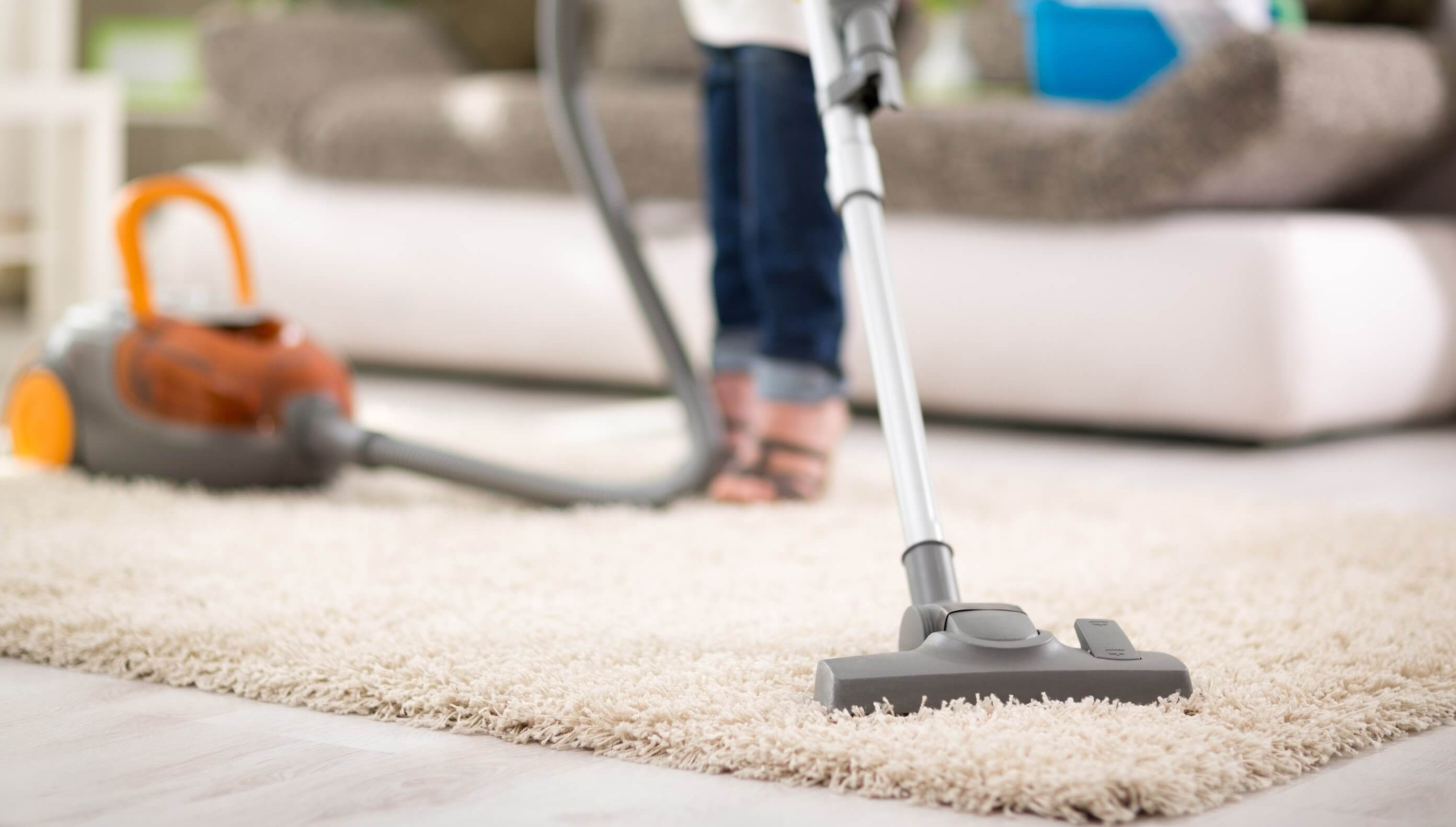 The Best Technique for Vacuuming Floors